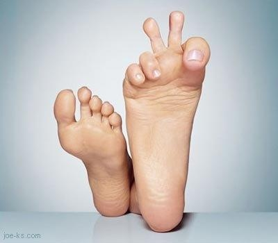 funny_feet.JPG