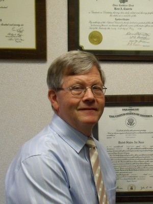 Dr_Howel2004.jpg