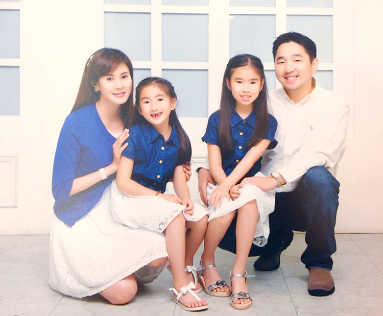 dr_Han_Hsiung_family.jpg