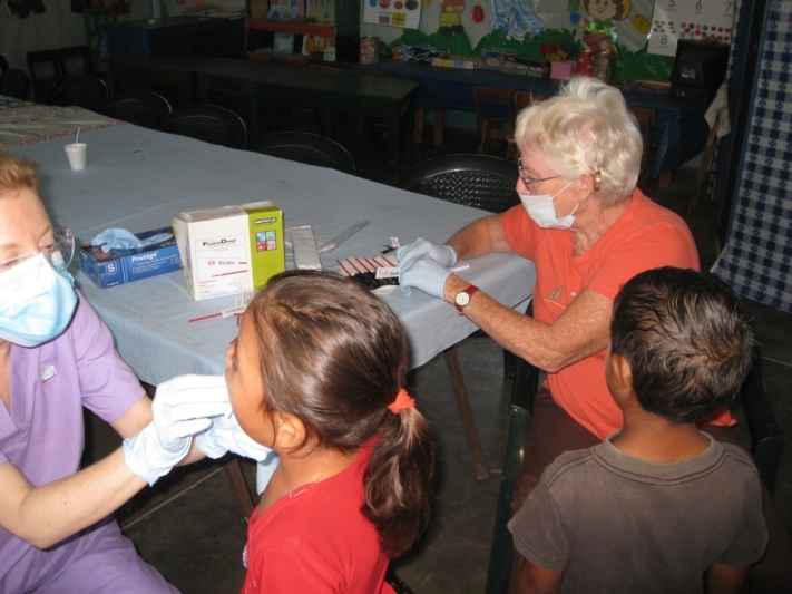kids getting fluoride varnish