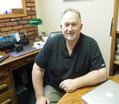 L. Scott Smith, DDS in Pomeroy WA
