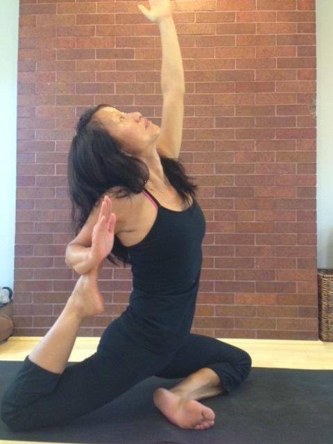yoga_linda.jpg