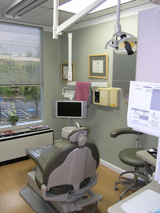 McLean_Dentistry_Exam_Room_1.jpg