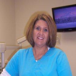 Stephanie Quarles - Dental Hygienist