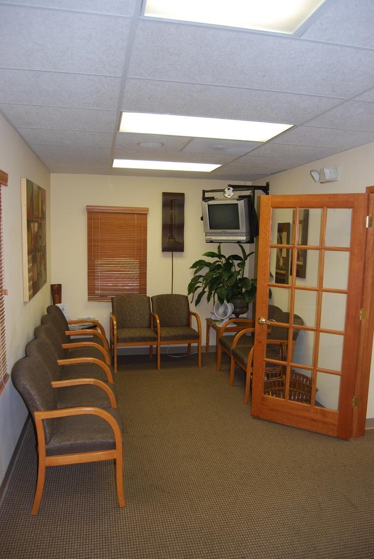 Waiting_Room1.jpg