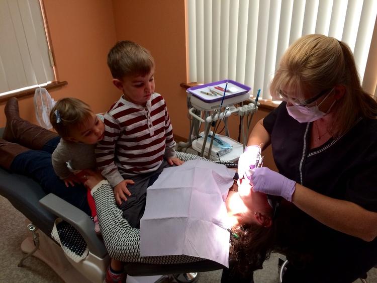 Family_Dentistry_in_action.jpg