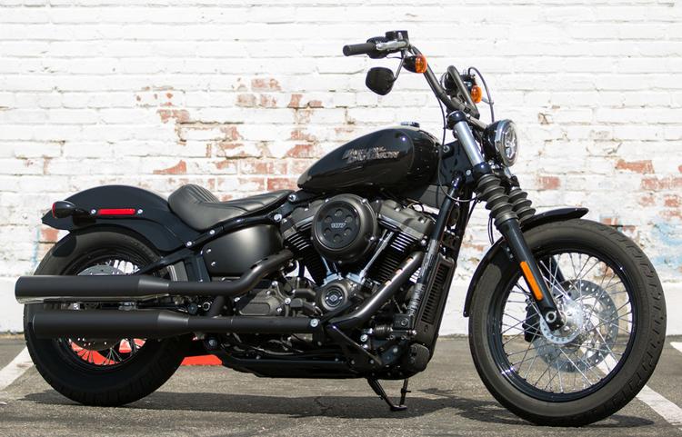 2018_Harley_Davidson_Street_Bob_00_edited.jpg