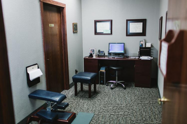 Bismarck, Chiropractor   Bismarck, chiropractic Office Pictures    ND  