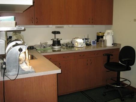 Comprehensive dental laboratory